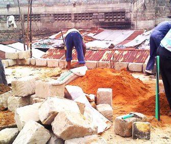 Promouvoir des installations sanitaires écologiques dans les quartiers informels