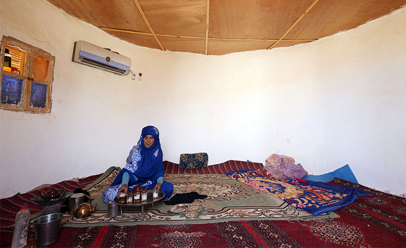 Plastic bottle houses for Sahrawi refugees - World Habitat